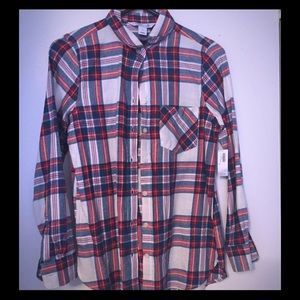 BNWT Old Navy classic flannel, size S